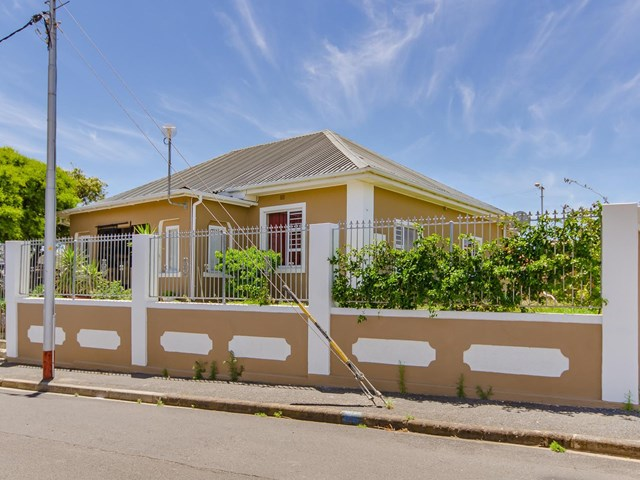 Strand South House For Sale
