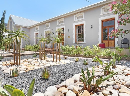 5 Bedroom Other for Sale in Lemoenkloof