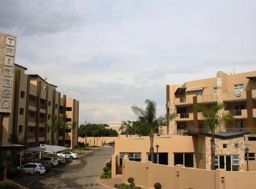 3 Bedroom Apartment to Rent in Morningside