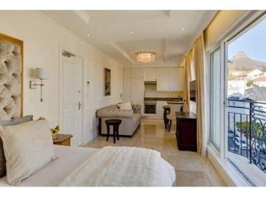 2 Bedroom Apartment to Rent in Three Anchor Bay