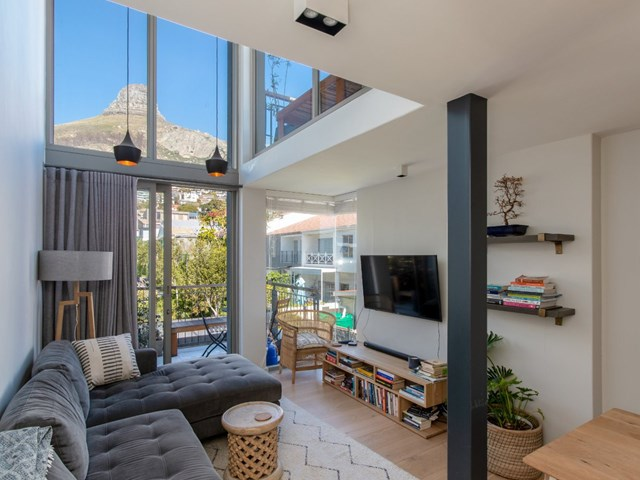 Sea Point Flat For Sale
