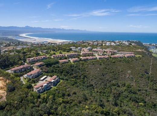 3 Bedroom Flat for Sale in Plett Central
