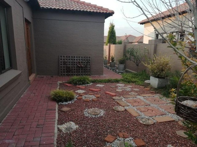 2 Bedroom House for Sale in Secunda