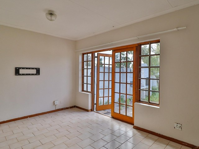Lorraine Townhouse For Sale