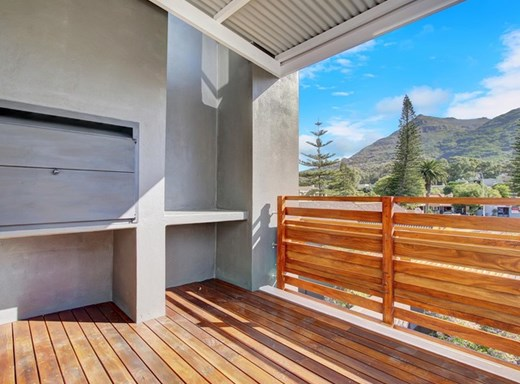 3 Bedroom Apartment for Sale in Hout Bay