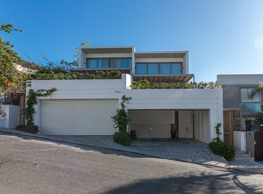 3 Bedroom Townhouse for Sale in Fresnaye
