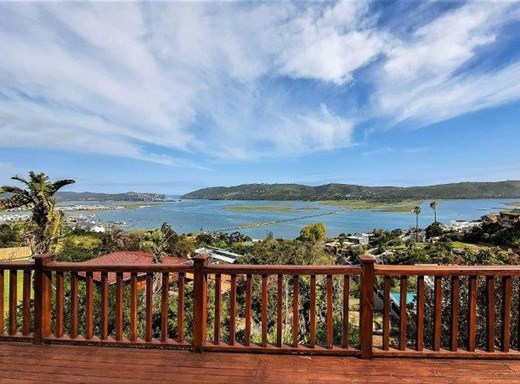4 Bedroom House for Sale in Paradise