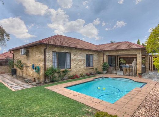 3 Bedroom Townhouse for Sale in Witkoppen