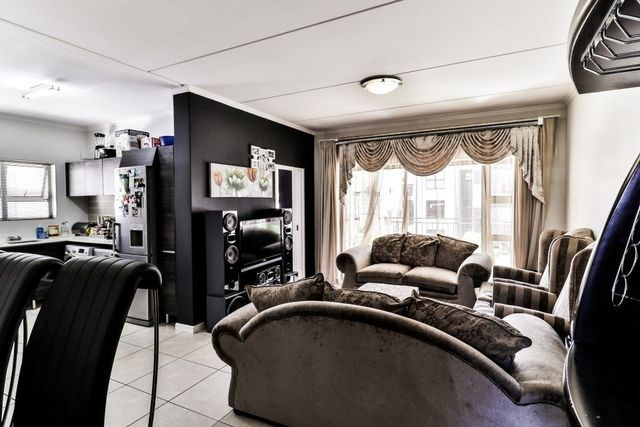 3 Bedroom Townhouse for Sale in Modderfontein