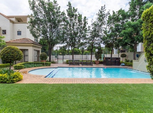 2 Bedroom Apartment for Sale in Douglasdale