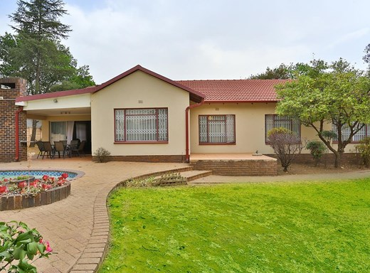 4 Bedroom House for Sale in Johannesburg North