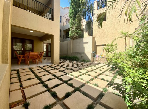 1 Bedroom Apartment for Sale in Strathavon