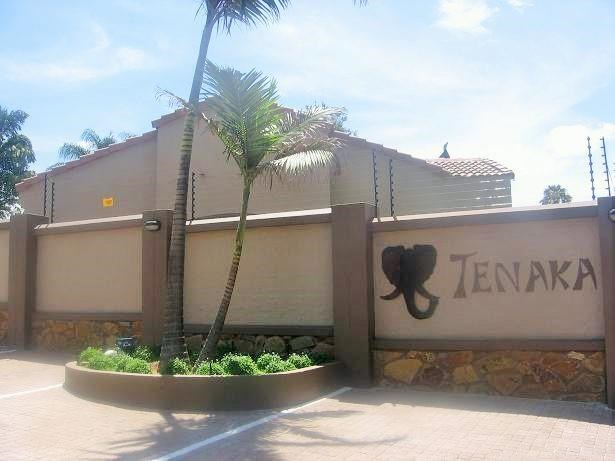 3 Bedroom Simplex for Sale in Theresapark