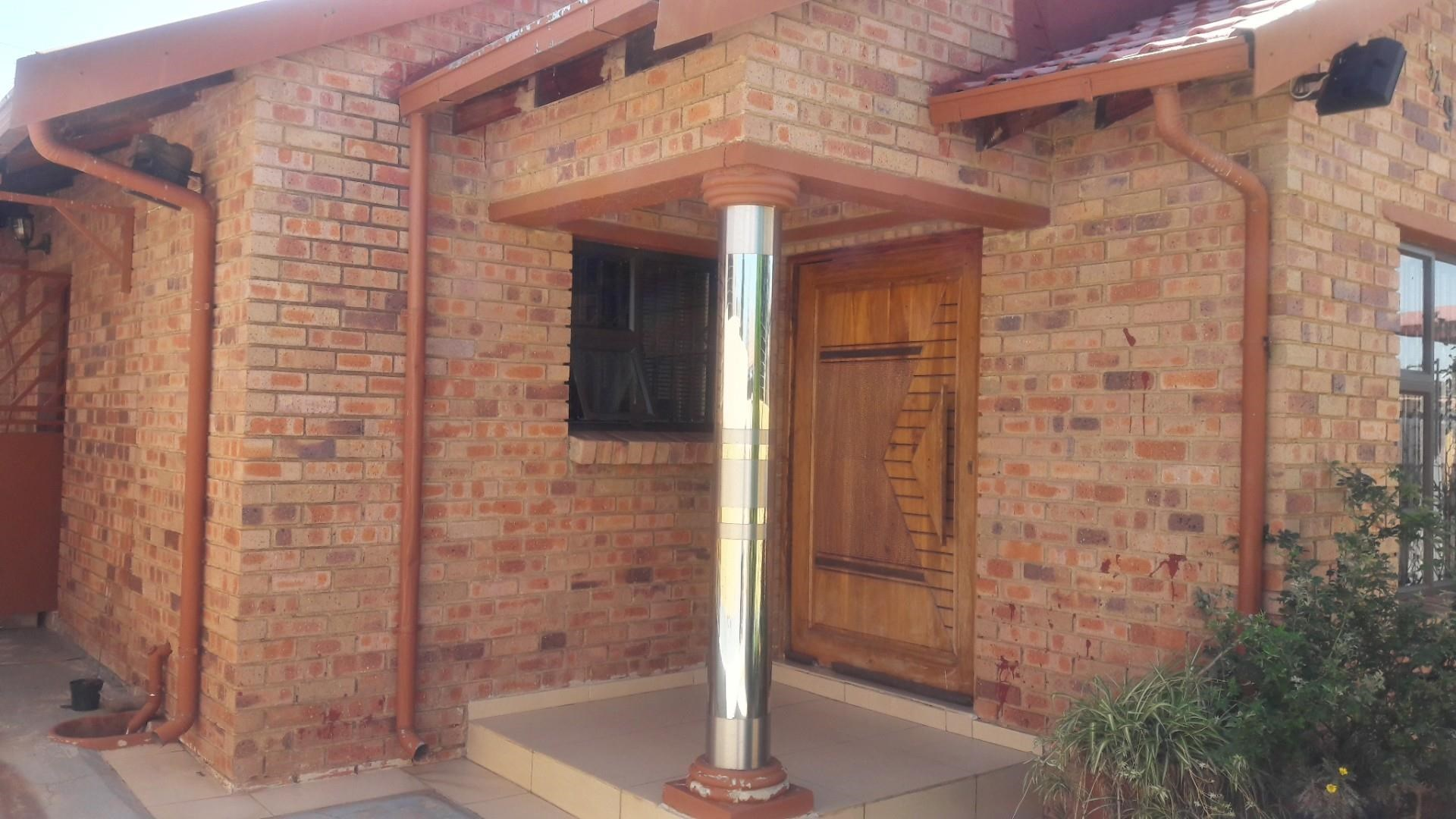 2 Bedroom House for Sale in Ormonde View