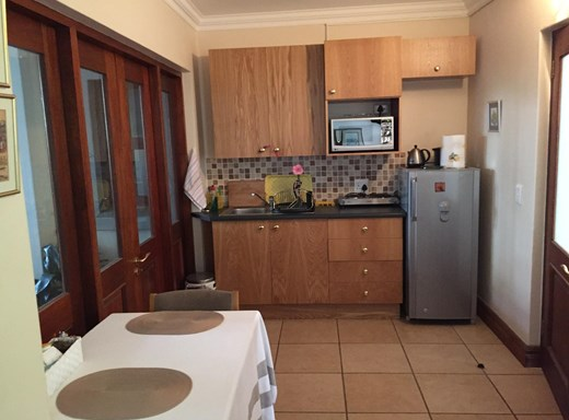 1 Bedroom Garden Cottage to Rent in Waterkloof