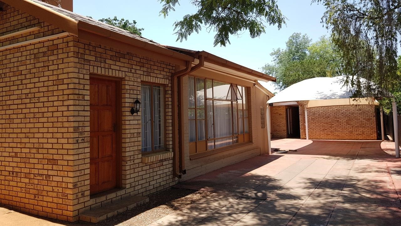 12 Bedroom House for Sale in Lephalale