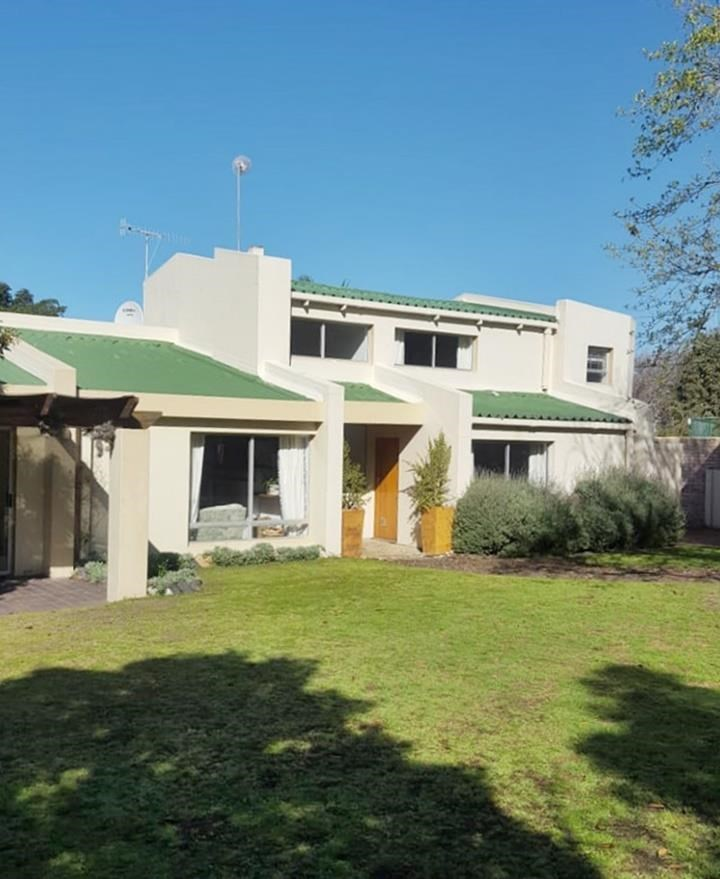 4 Bedroom House to Rent in Fernkloof