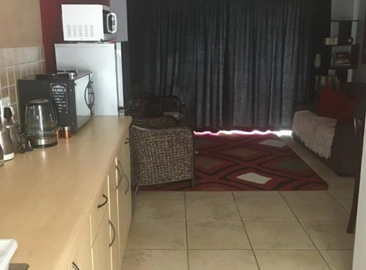 1 Bedroom Apartment for Sale in Central Jeffreys Bay