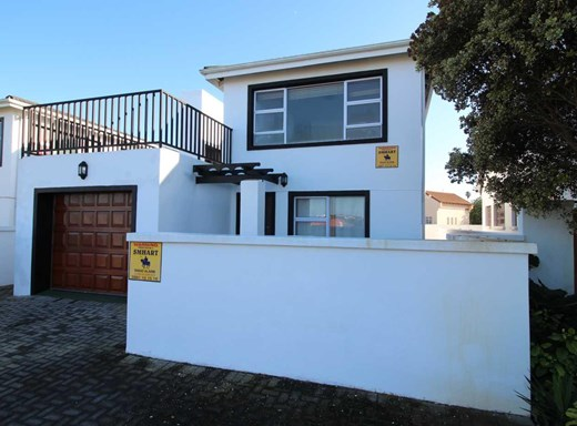 3 Bedroom House for Sale in Aston Bay