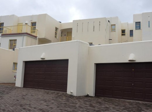 4 Bedroom Apartment for Sale in Uvongo
