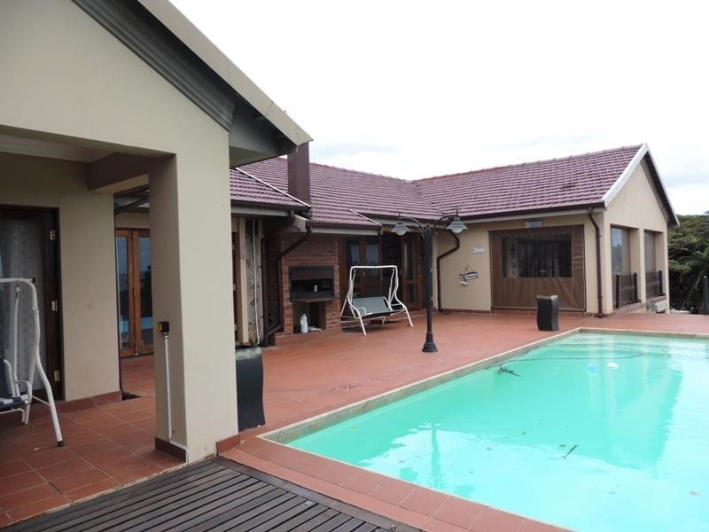5 Bedroom House for Sale in Uvongo