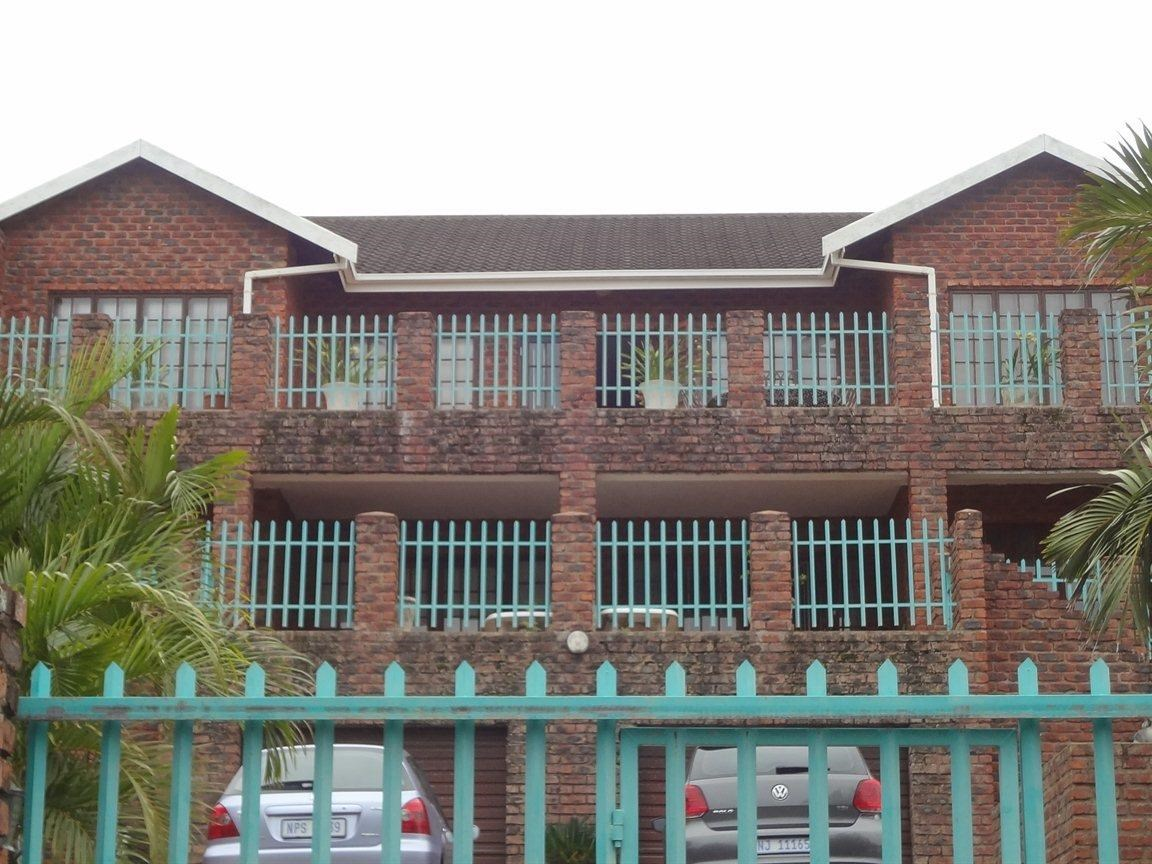 7 Bedroom House for Sale in Uvongo
