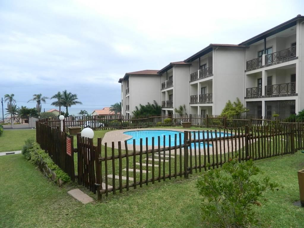 2 Bedroom Apartment for Sale in Uvongo