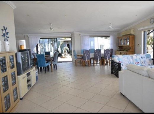 6 Bedroom House for Sale in Shelly Beach