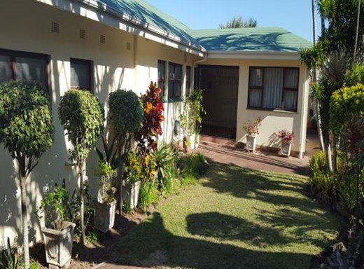 8 Bedroom House for Sale in Uvongo