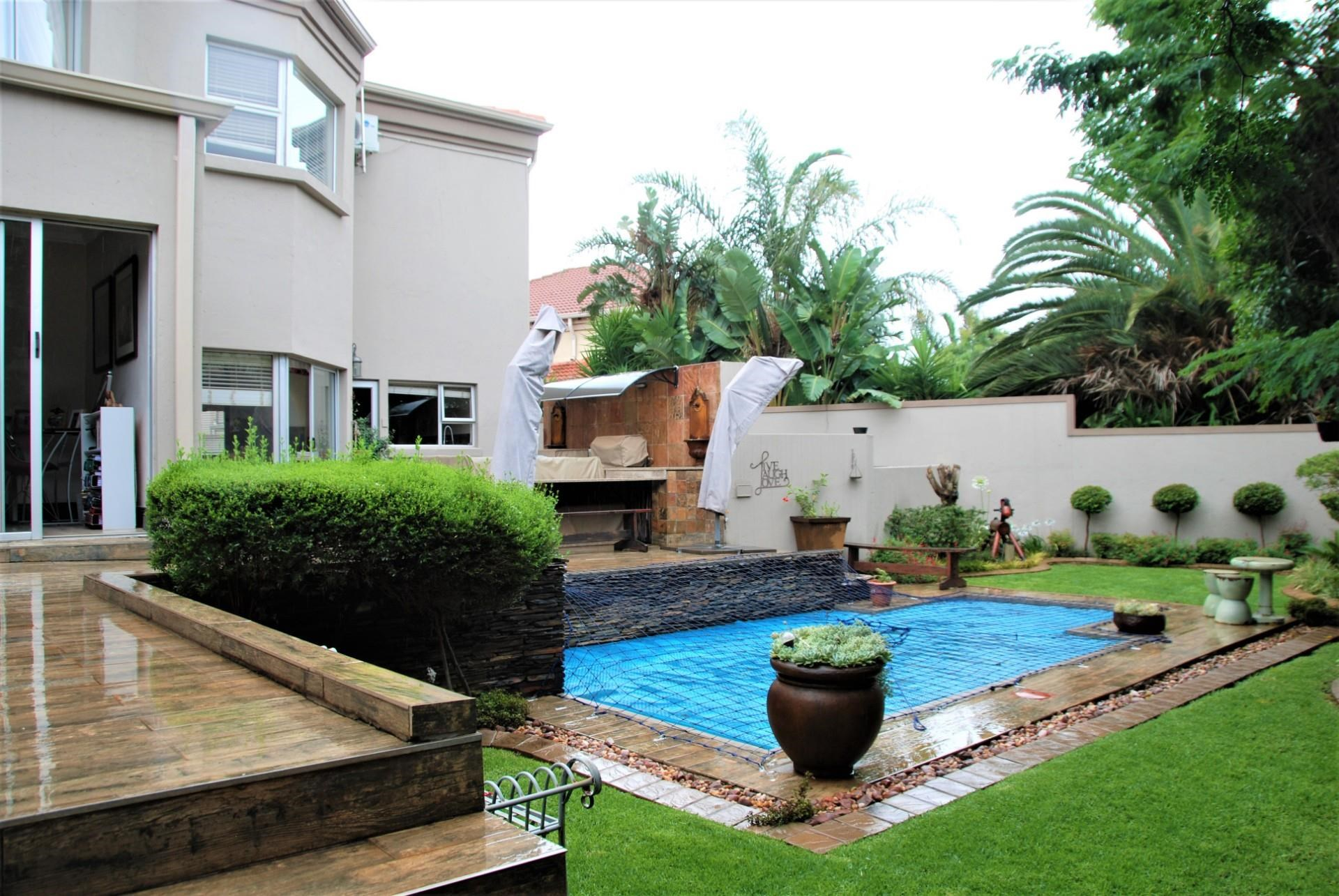 5 Bedroom House for Sale in Featherbrooke Estate