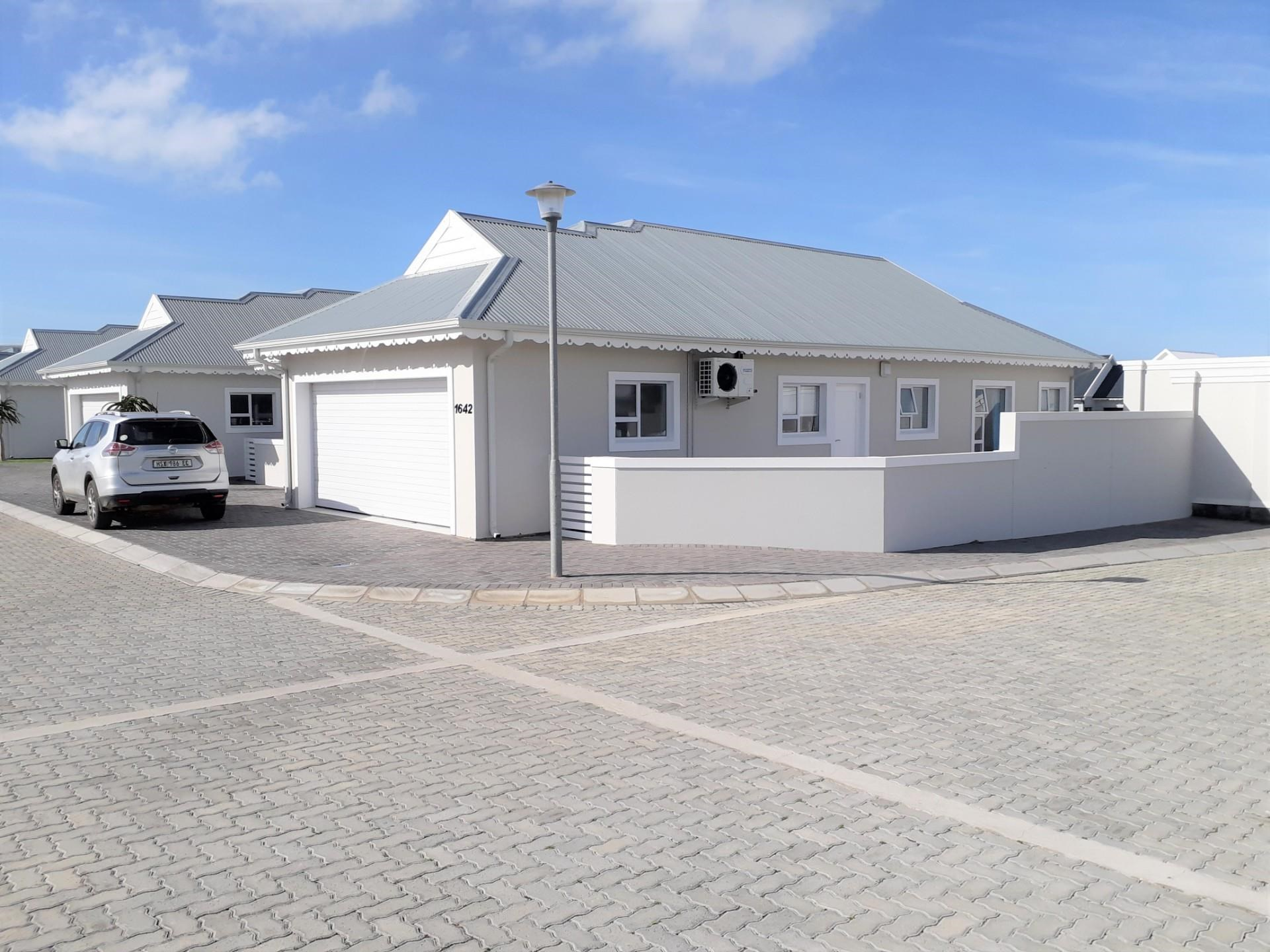 3 Bedroom House to Rent in Marina Martinique