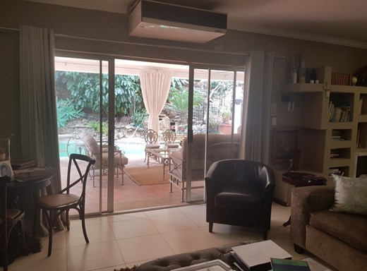 6 Bedroom House for Sale in Safari Gardens