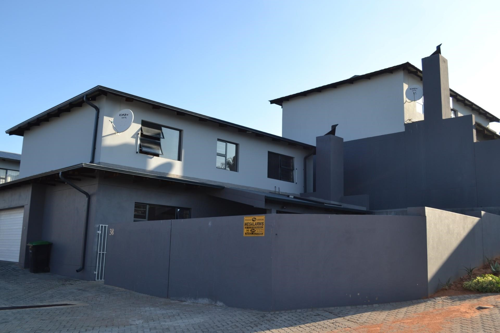 3 Bedroom Townhouse for Sale in Cashan