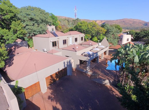 5 Bedroom House for Sale in Protea Park