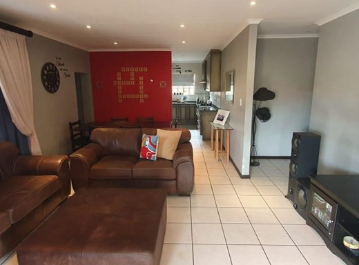 5 Bedroom House for Sale in Waterkloof A H