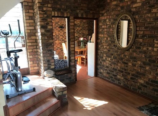 3 Bedroom House for Sale in Mulbarton
