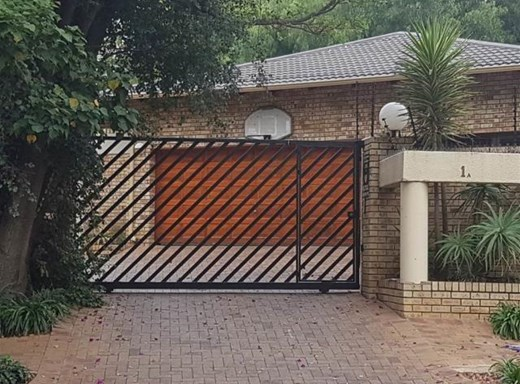 1 Bedroom Garden Cottage to Rent in Craighall Park