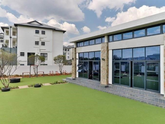 3 Bedroom Apartment to Rent in Greenstone Hill
