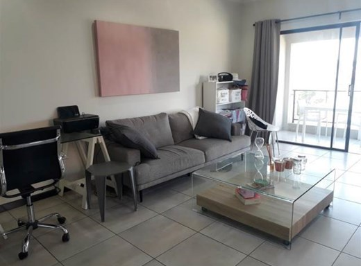 1 Bedroom Penthouse to Rent in Lone Hill