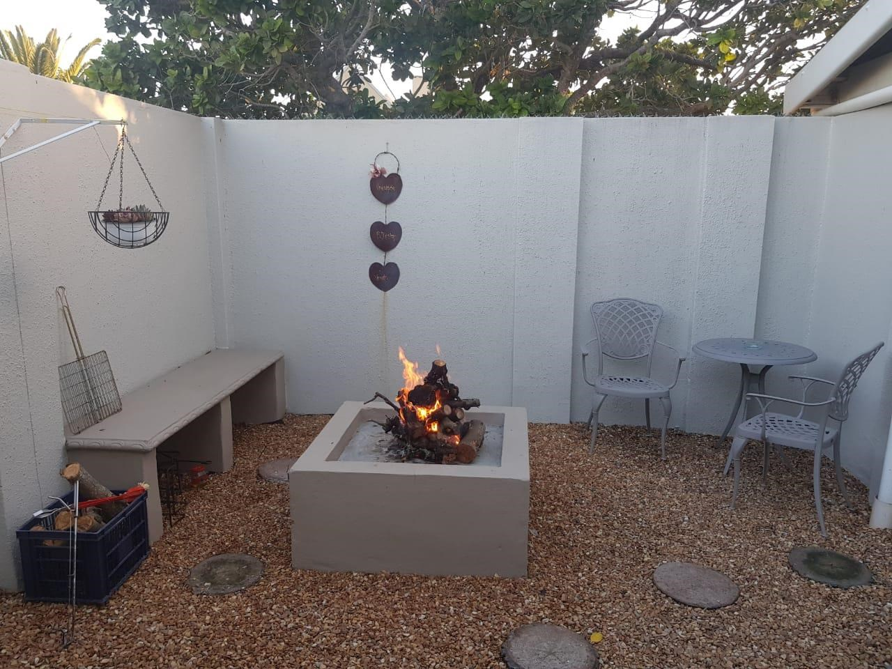 1 Bedroom Garden Cottage to Rent in Strand North
