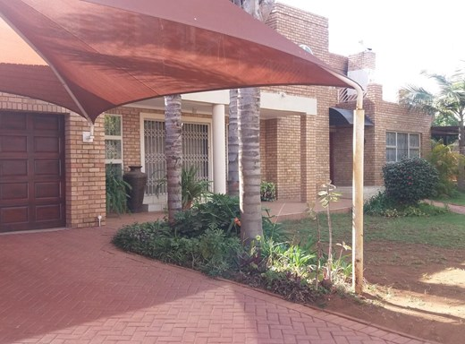 7 Bedroom House for Sale in Fauna Park