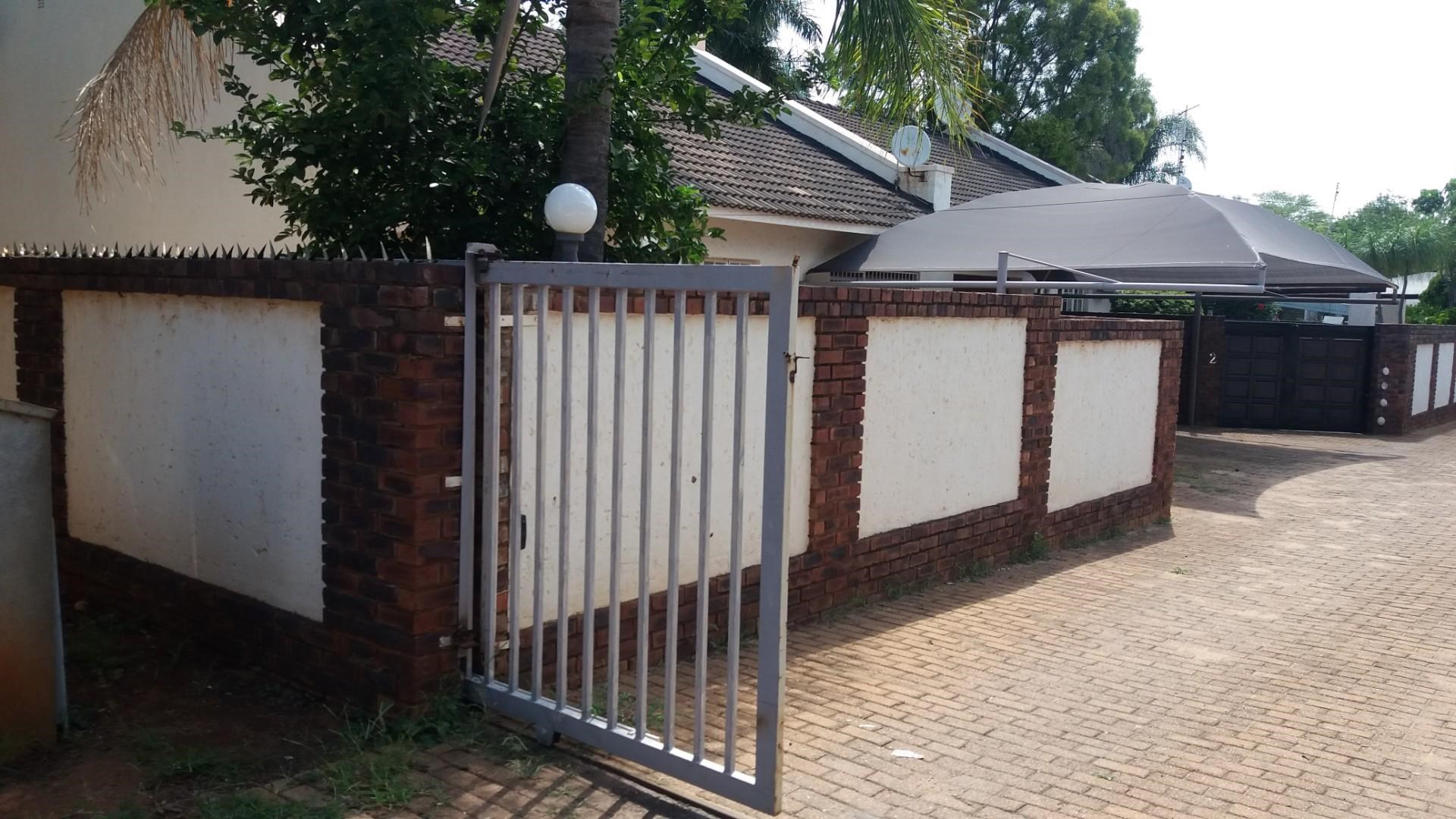 2 Bedroom Townhouse to Rent in Chroompark