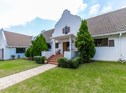 6 Bedroom House for Sale in Sunninghill