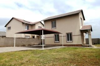3 Bedroom House to Rent in Blue Hills