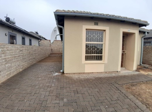 3 Bedroom House to Rent in Riverside View