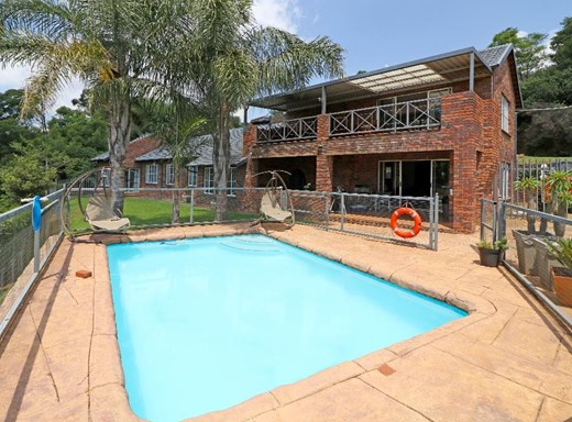 4 Bedroom House for Sale in Roodekrans