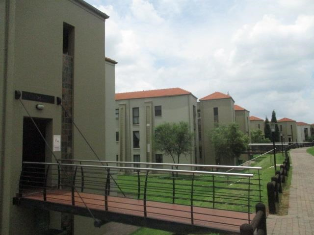 3 Bedroom Apartment for Sale in Vanderbijlpark South West 5