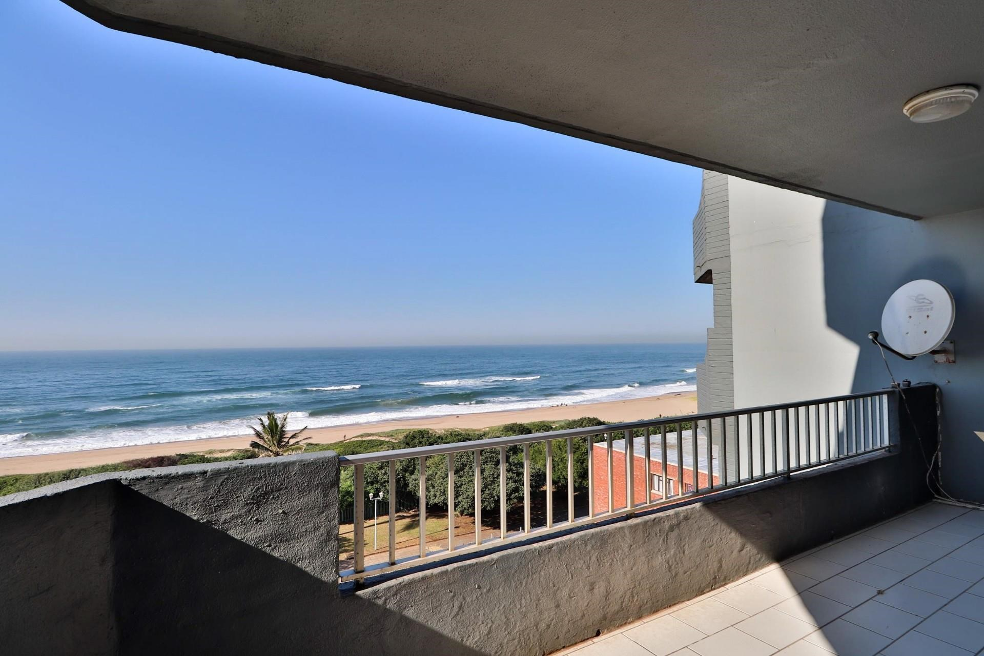 3 Bedroom Apartment for Sale in Amanzimtoti