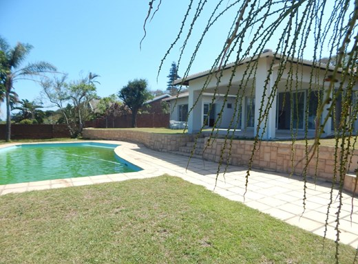 5 Bedroom House for Sale in Athlone Park