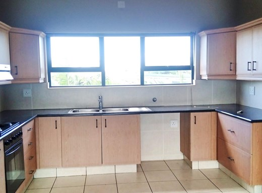 2 Bedroom Apartment to Rent in Palm Lakes Estate